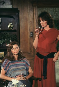 dallas-women-pam-and-sue-ellen