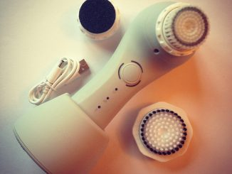 Magnitone The Full Monty cleansing brush set