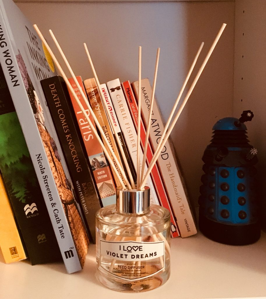 I Love Cosmetics reed diffuser violet dreams