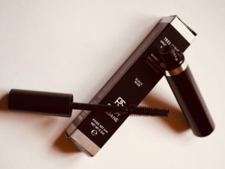 Poppy Soane vegan mascara