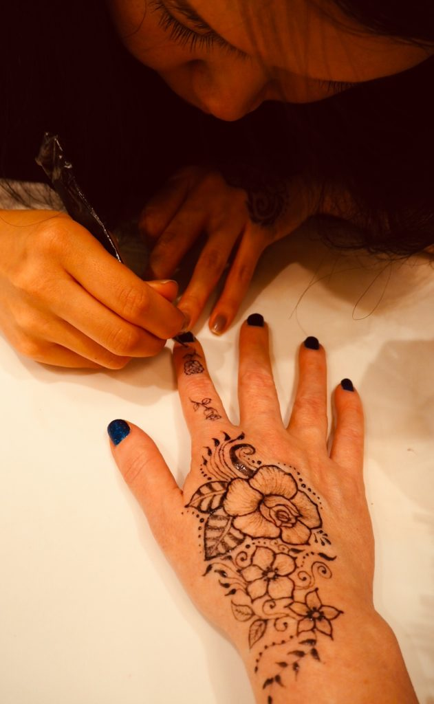 Pavan Henna bar hand art