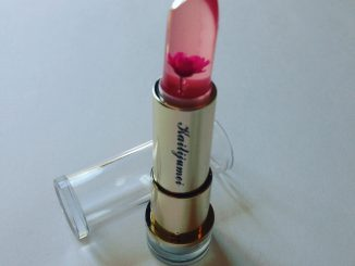 jelly lipstick with flower inside